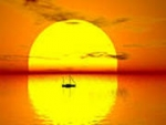 Жёлтый солнечный закат